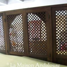 Panneau Moucharabieh asemblés avec une porte