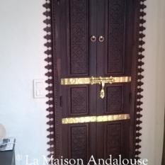 Porte Mauresque sculpté et teinté tirante