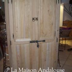 Porte Moucharabieh avec volets fermés